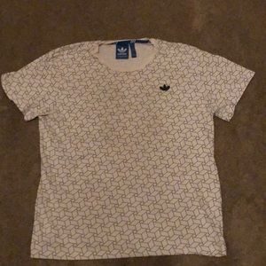 White adidas patterned T-shirt